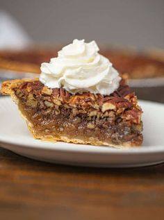 Pecan Pie is a perfectly gooey, crunchy, rich and easy holiday favorite pie you can make in less than an hour! The perfect Southern classic comfort food dessert! Holiday Pies, Holiday Desserts, Just Desserts, Dessert Recipes, Holiday Baking, Dinner Recipes, Pecan Cobbler, Blackberry Cobbler, Cobbler Recipe