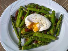 Agi Kuchnia Smaku: SZPARAGI Z BOCZKIEM I JAJKIEM