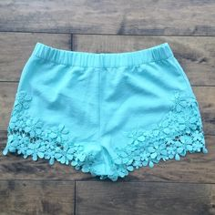 turquoise floral shorts Adorable summer shorts, perfect condition Shorts Skorts