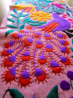 Camino de Mesa Purpura Textil Mexicano Tejido por ArteDeMiTierraMX