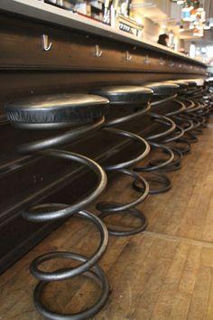 Оригинальные барные стулья