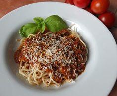 Spaghetti Bolognese - nach einem italienischen Originalrezept by Schirmle on www.rezeptwelt.de