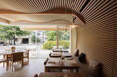 デザインのいいレストラン #3 紙管が波打つレストランに出かけませんか? | カーサ ブルータス