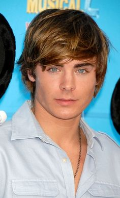 """Zac Efron Photos Photos: World Premiere Of Disney Channel's """"High School Musical Teen Guy Style, Bratt Pit, Zac Efron High School, Hight School Musical, Zac Efron And Vanessa, 17 Again, Troy Bolton, Fringe Haircut, Disney Channel Stars"""