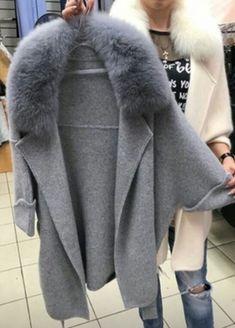 Fashion Moda, Fur Fashion, Hijab Fashion, Love Fashion, Winter Fashion, Fashion Outfits, Coats For Women, Jackets For Women, Mode Mantel