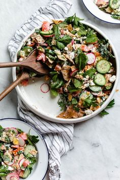 The Best Fattoush Salad Recipe EVER – Broma Bakery Ottolenghi's Fattoush Salad Healthy Salads, Healthy Eating, Healthy Recipes, Simple Recipes, Light Recipes, Healthy Tips, Healthy Food, Cooking Recipes, Ottolenghi Recipes