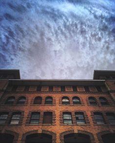 Skyscraped _______________________________||__ #wv_igers #wv #rsa_urbex #rsa_mextures #rsa_architecture #urbandecay #urbanexploration #urbanphotography #architecture #sky #streetphotography #shotzdelight #cloudzdelight #clouds #cloudporn #brick #m3xtures #mode_emotive #mextures #mexturezdelight #mexturescollective #minimal_mextures #mellow_mextures