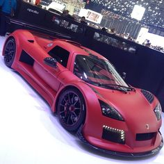 Kickass Gumpert Apollo with 790 horsepower