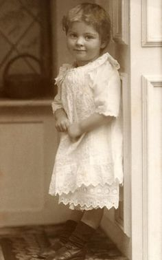 +~+~ Antique Photograph ~+~+  Such sweetness!  Alicia Maud Jenkins 1914
