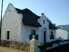 Hermanus [Understandingen​ the Cape Dutch gable Colonial Architecture, Architecture Details, Vernacular Architecture, Classic Architecture, Gable Wall, Gable House, Gable Roof, African House, Cape Dutch