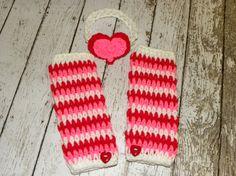 Valentine's Heart Headband and crochet baby Valentine Leg warmers. Newborn, baby girl photo prop headband and legwarmers.