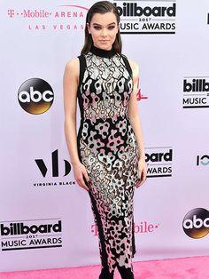 2068fe80b Billboard Music Awards 2017 y los looks de la alfombra magenta. Cantores