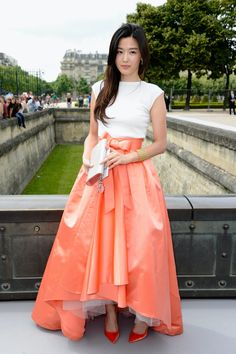 Hannah Marks, Daily Fashion, Fashion News, Christian Dior, My Love From Another Star, Orange Skirt, Skirt Fashion, White Tops, Korean Fashion