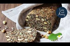 Semínkový chleba s ořechy   pečivo bez lepku a mouky   veganské Cini Minis, Snack Recipes, Snacks, Banana Bread, Desserts, Food, Breads, Diet, Snack Mix Recipes