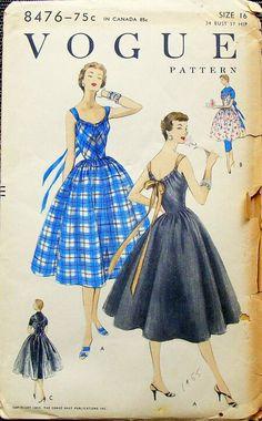 Vintage Dress Patterns, Vintage Style Dresses, Dress Sewing Patterns, Clothing Patterns, Vintage Outfits, Vintage Fashion, Vintage Clothing, Patron Vintage, Vintage Tea