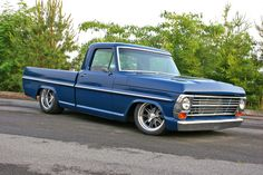 It's no secret that trucks that can hang a corner and dice through the cones have taken off like wildfire. Why should the muscle car guys have all the Bagged Trucks, Lowered Trucks, Old Ford Trucks, Hot Rod Trucks, Cool Trucks, Pickup Trucks, Mini Trucks, Station Wagon, Custom Trucks