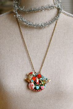 Kitsch Christmas. Retro holiday collage necklace.Tiedupmemories