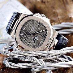 Patek Philippe ⚪️ White Gold Nautilus #patekphilippe #watch #watchporn #wristporn #wristgame #money #rich #luxury #lifestyle #luxurylife #success #gold #dreambig #gentleman #mensfashion #style
