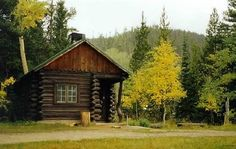 Louis Lake Lodge, Lander, Wyoming- we just came home from another amazing vacation up here!  Love these rustic cabins (very reasonable price) and what a beautiful location!  I can't wait to go back!