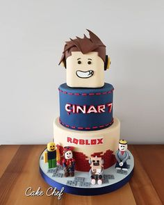 Hashtag #robloxcake en Instagram • Fotos y vídeos Roblox Birthday Cake, Roblox Cake, 5th Birthday Cake, Novelty Birthday Cakes, Pink Birthday, Boy Birthday Parties, Harry Potter Birthday, Cakes For Boys, Party Cakes