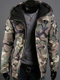 Multi-Pocket Camo Pattern Hooded Long Sleeve Loose Fit Stylish Thicken Cotton Blend Coat For Men