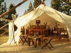 Glamping, which is basically luxury camping, is something I could certainly do! (Hotel Chatter.com)