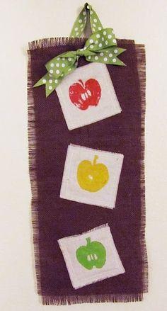 Another cute door hanger. Burlap Crafts, Diy Crafts, Burlap Wall Hangings, Autumn Crafts, Home Decor Inspiration, Home Art, Teacher Gifts, Craft Projects, Craft Ideas