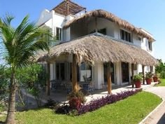 Villa Sol Haa, Exclusive Beachfront Villa with Pool, Ac, Staff