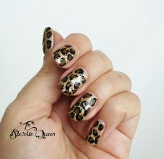The Sparkle Queen: Video Tutorial: Leopard Nail Art Blue Glitter Nails, Gray Nails, White Nails, 3d Nails, Leopard Nail Art, Animal Nail Art, Nail Swag, Photomontage, Tribal Nails