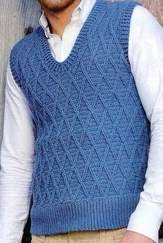 [Free Crochet Pattern] This men's trellis vest would make a great father's day gift!