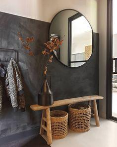 Modern Entryway, Entryway Decor, White Room Decor, Living Room Decor, Flur Design, Black And White Living Room, Hallway Designs, Hallway Ideas, Home Decor Inspiration