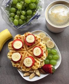 Gofry na śniadanie zawsze spoko Miłego dnia #cialowbudowie #bodybuilding #wafles #gofry #sniadaniemistrzow #breakfast #healthyfood #cleanfood #eatclean #czystamicha #jemzdrowo #foodporn #foodforbody #foodinspiration #instafood #instafoto #polishgirl #befit #bestfood #behealthy #gofrowelove #love #gymgirl #gymhero #gymlife #fit #fitness #fitfreak #lifestylenotadiet #szamatime by gymbunny_official