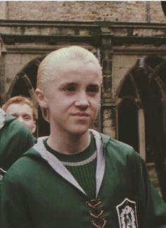 potter aesthetic gif draco malfoy love of my life. on We Heart It Draco Harry Potter, Mundo Harry Potter, Harry Potter Tumblr, Harry Potter Pictures, Harry Potter World, Harry Potter Characters, Draco Malfoy Aesthetic, Slytherin Aesthetic, Harry Potter Aesthetic