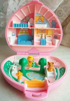 i owned SO many of these.  still have them at my parent's.  had this exact one too!