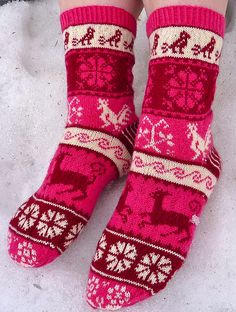 Ravelry: Muhu socks, charts from Estonian craft book Meite Muhu Mustrid