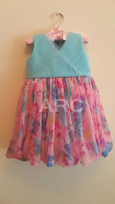 Kids Party Wear Dresses, Kids Dress Wear, Baby Girl Party Dresses, Kids Gown, Dresses Kids Girl, Girl Outfits, Girls Frock Design, Kids Frocks Design, Baby Frocks Designs