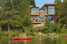 This Contemporary Home Sits On A River In Oregon // Deschutes House by FINNE Architects