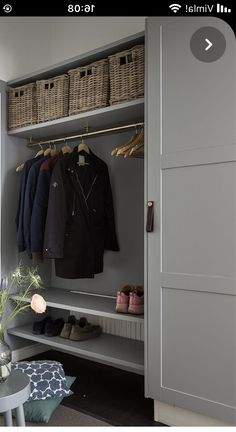 Wardrobe Organisation, Home Organization, Armoire Entree, Sas Entree, Boot Room Utility, Low Budget House, Washington Houses, Entryway Closet, Laundry Room Design