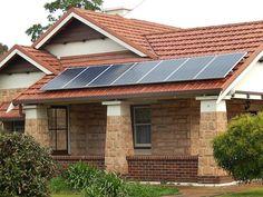 El estado de California dará paneles solares gratis a familias con pocos recursos.  Gracias a un programa pionero las empresas que mas contaminan pagan las instalaciones solares de las familias mas desfavorecidas.