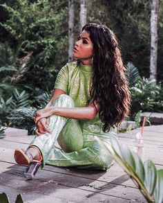 Selena Gomez Is a Singer And Actress Selena Gomez Fashion, Selena Gomez Style, Alex Russo, Selena Gomez Wallpaper, Hollywood, Marie Gomez, The Most Beautiful Girl, Beauty Queens, Demi Lovato