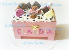 cajita personalizada para Claudia Bella, Toy Chest, Storage Chest, Toys, Cake, Home Decor, Custom Boxes, Pie Cake, Homemade Home Decor