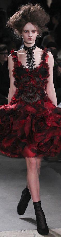 Fall 2015 Ready-to-Wear Alexander McQueen