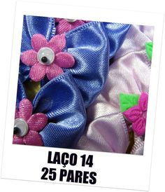 LAÇO PARA ORELHA OU TOPETE CAIXA COM 25 PARES - 5 PARES EM CADA COR CAIXAS EM ROSA/ COLORIDA/ AMARELA MEDIDA DO LAÇO: 3,5CM DE ALTURA X 3,7CM DE LARGURA ELÁSTICO 5/16' MÉDIO PARA FIXAÇÃO. NAO DESFITA. CORTE À LASER.  CODE 14 - BIG YORK BOW/ COLORFUL THAT'S FOR A MEDIUM DOGS/ LONGHAIRED OR TOPKNOT. YORKIES / MALTESE/ LHASA/ SHIH TZU / POODLES WHIT A LATEX BAND - 5/16' - FOR QUICK AND EASY ATTACHMENT  BOX WHIT 25 PAIRS IN 3 OPTIONS OF COLLOR: ROSES/ COLORFUL/ YELLOW THE ENDS BEEN TREATED AS TO…
