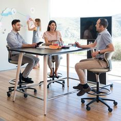 Mastermind High Desk for agile offices helps promote communication and efficiency. Available in various sizes with power and data.