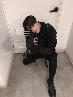 Jeno looks so good in this outfit! I swear this boy wants me dead ❤️ nct nctdream nctu taeil yuta winwin johnny jaehyun haechan jeno mark marklee renjun chenle jungwoo doyoung taeyong kun jaemin ten lucas kpop
