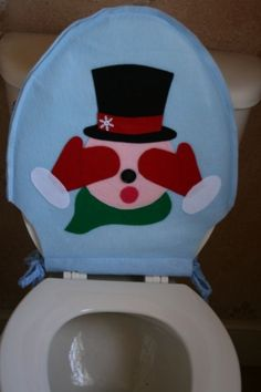Items similar to Christmas Toilet Seat Cover  Blushing Snowman green on Etsy And Rug Set Juegos de ba o