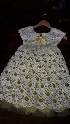 fast and easy baby dress New Fashion Dress 2018 In India Crochet Skirt Guard Pattern Free. This Pin was discovered by Sha Does anyone know where to find this pattern The length of the dress is 36 cm, the girth of the chest is cm. Crochet Dress Girl, Crochet Baby Dress Pattern, Crochet Girls, Crochet Baby Clothes, Crochet For Kids, Baby Knitting Patterns, Crochet Patterns, Dress Patterns, Lidia Crochet Tricot