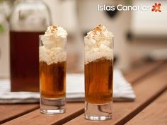 #Chupito de #RON #MIEL canario, via Flickr.  Llenar un vaso de chupito 2/3 partes de ron miel. Cubrir con nata montada y espolvorear con canela. Saborear lentamente :-)