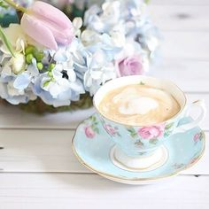 Blue tea cup with roses Tea And Books, Birthday Clipart, Afternoon Tea Parties, Coffee Is Life, My Cup Of Tea, Coffee Cafe, Cakes And More, Vintage Tea, High Tea