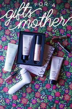 Looking for a holiday gift for your mother or mother-in-law? At-home pampering products like TimeWise® Microdermabrasion Plus Set, Skinvigorate™ Cleansing Brush, TimeWise® Age-Fighting Moisturizer, and Mint Bliss™ Energizing Lotion for Feet & Legs make the perfect gift! | Mary Kay